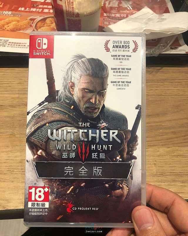 Switch《巫师3》中文实体版开箱 内附CDPR真情告白